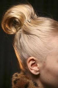 lucalucafallrtw20111 2 thumb1 198x300 Trendi frizure